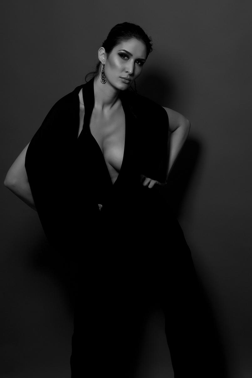 Fotografii fashion book model alb negru