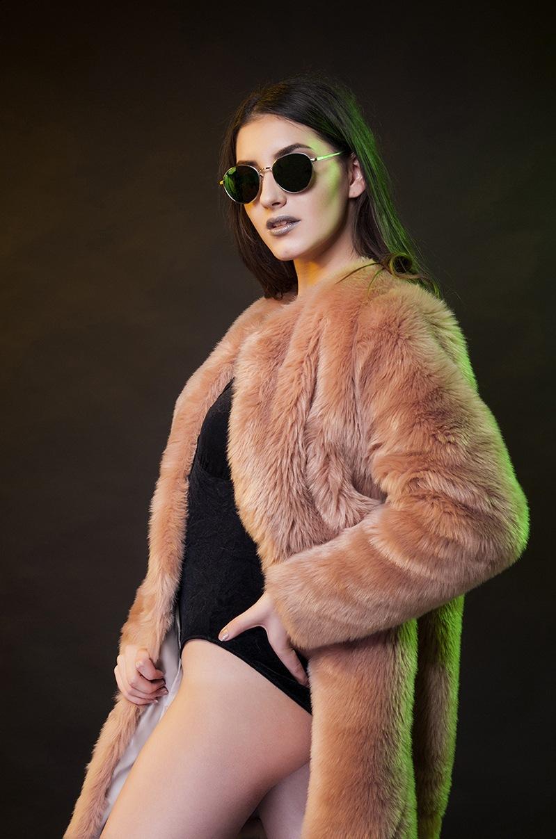 Reducere oferta fashion book model profesionist